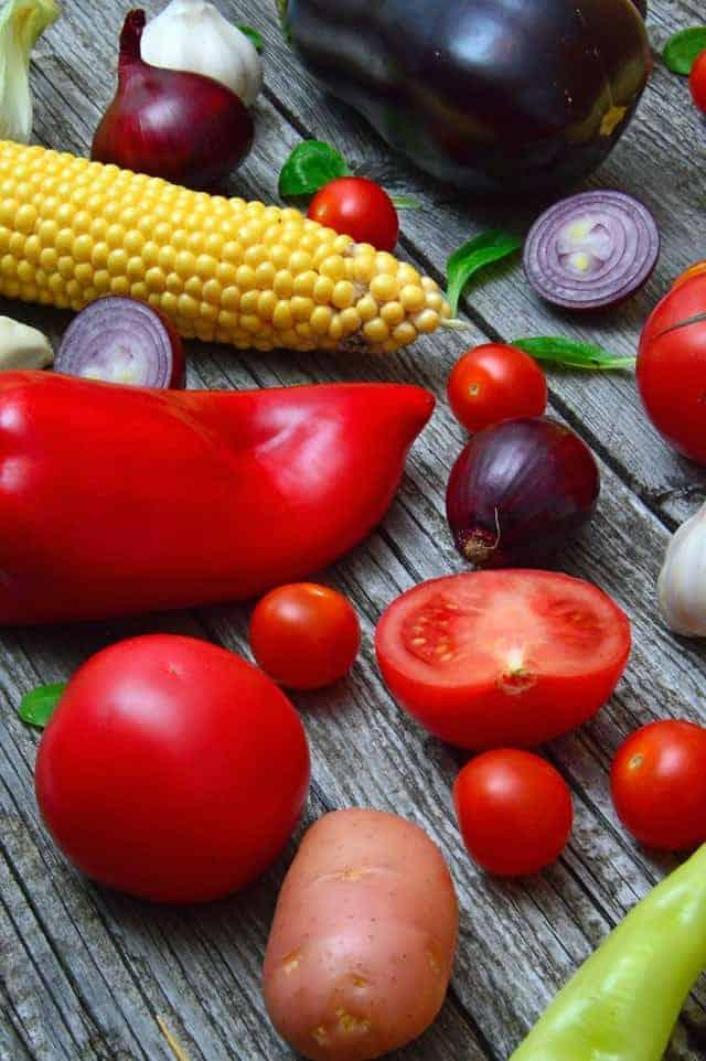 pimentão, tomate, inhame, pepino