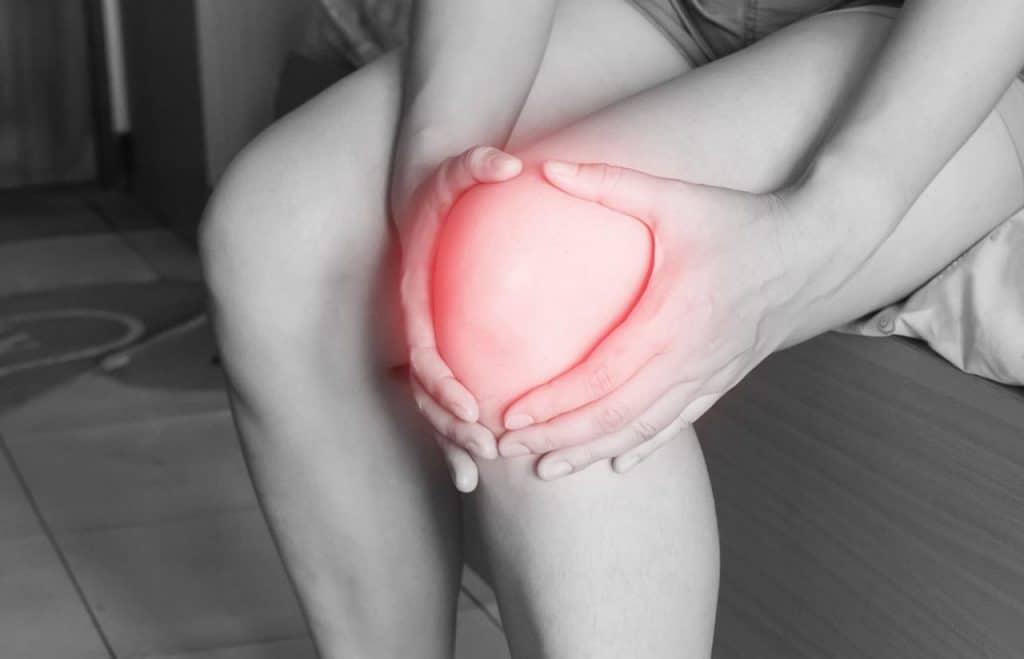 dores no joelho