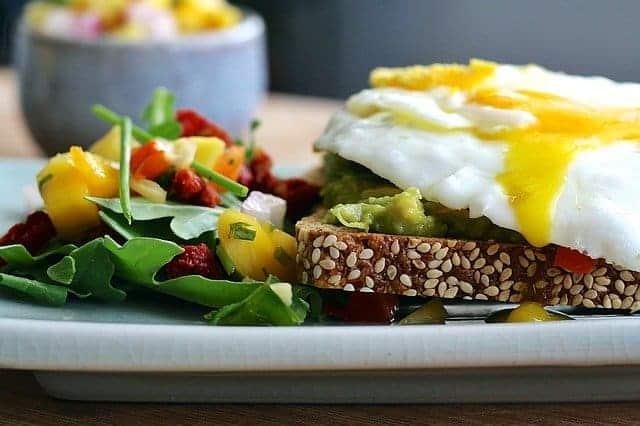 dieta termogénica, pão integral, ovo, legumes