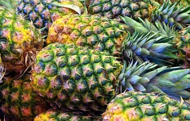 frutas frescas de abacaxi
