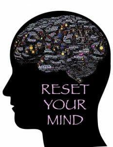 Ilustração mostrando a cabeça, o contorno do cérebro e a inscrição: restabeleça a sua mente