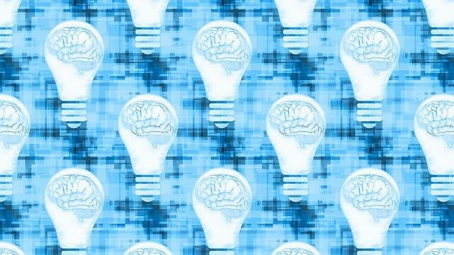gráficos mostrando o cérebro numa lâmpada de luz