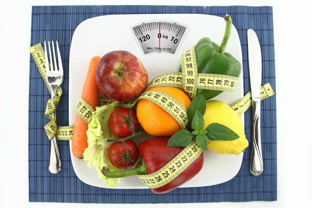 Vegetais e frutas no seu prato com um centímetro