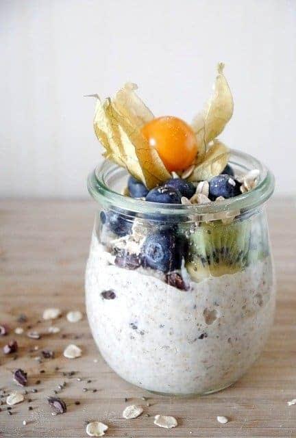 farinha de aveia com iogurte e fruta